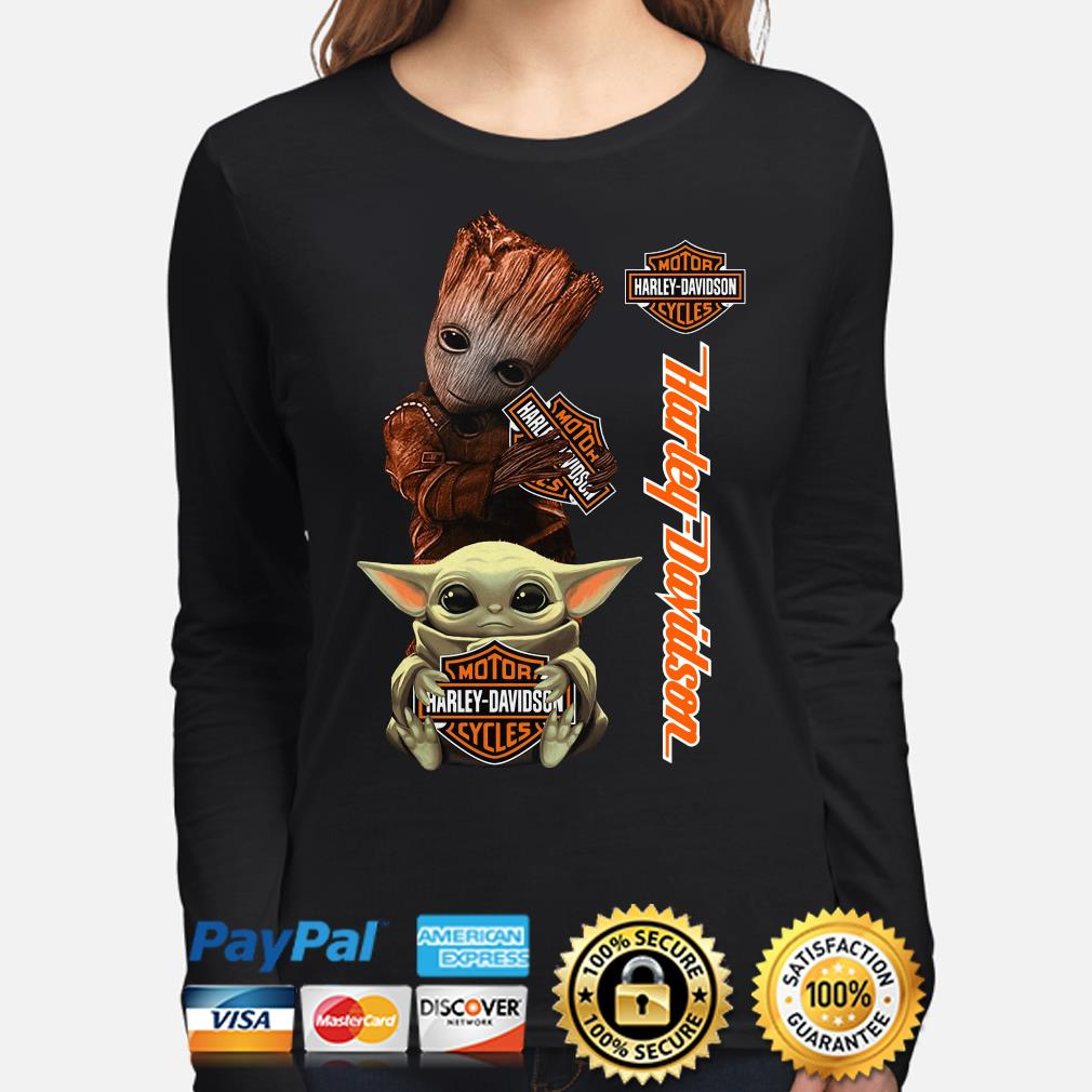 Baby Groot and Baby Yoda hug Motor Harley Davidson s long-sleeve