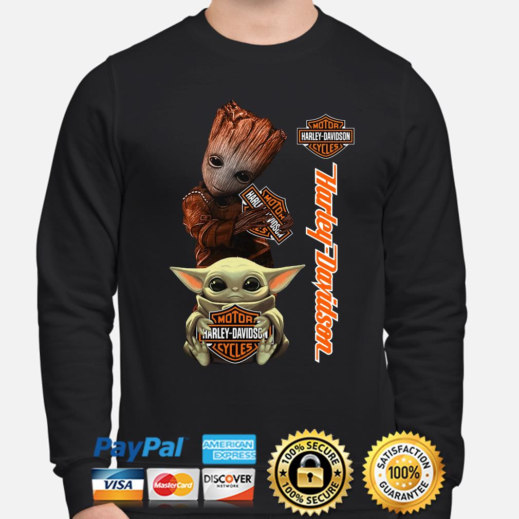 Baby Groot and Baby Yoda hug Motor Harley Davidson s sweater